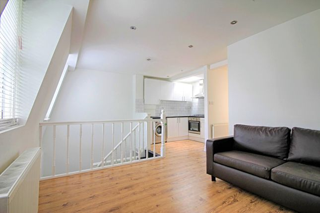 2 bed flat to rent in Old Kent Road, Bermondsey SE1