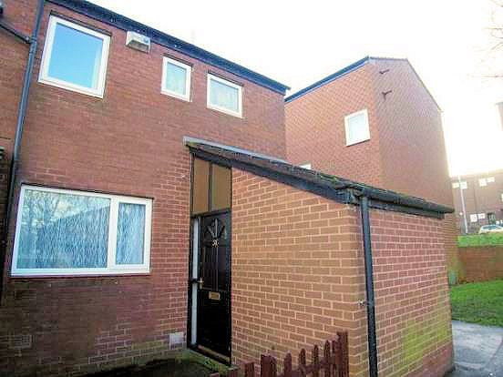 3 bed terraced house to rent in Snowden Vale, Bramley, Leeds