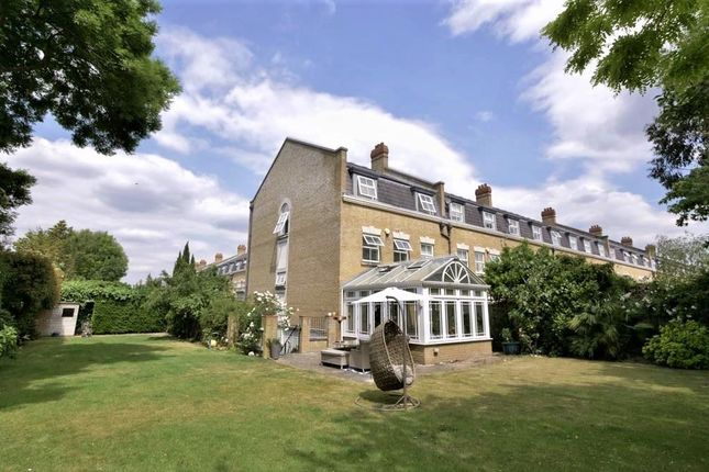Thumbnail Town house for sale in Clearwater Place, Long Ditton, Surbiton