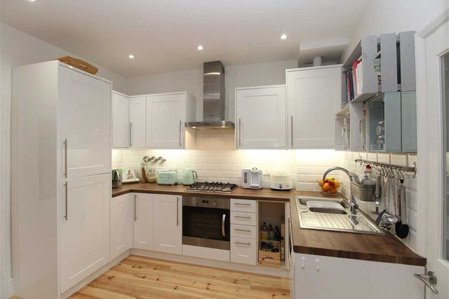 Thumbnail Flat for sale in Lord Roberts Avenue, Leigh-On-Sea