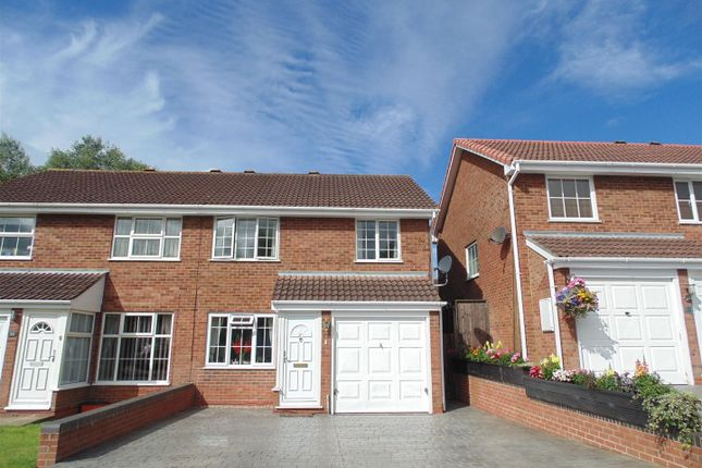 3 bed property to rent in Roundway Down, Freshbrook, Swindon