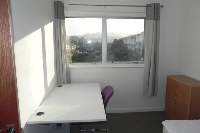Thumbnail Terraced house to rent in Guildford Park Avenue, Guildford, Surrey