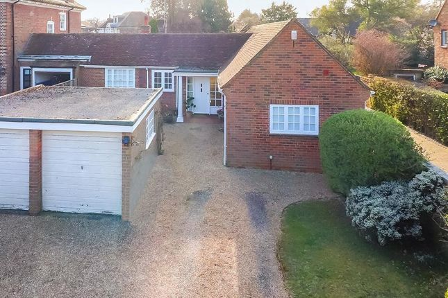 Thumbnail Bungalow for sale in Sandelswood End, Beaconsfield