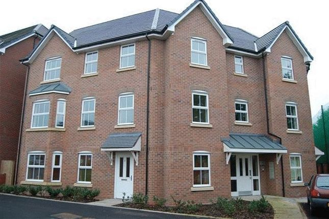 Thumbnail Flat to rent in Sunningdale Court, Little Lever, Bolton