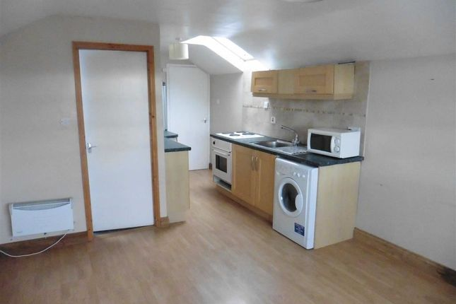Thumbnail Flat to rent in Gibraltar Square, Church Street, Bude, Cornwal