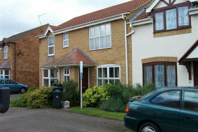 Thumbnail Terraced house to rent in Troon Gardens, Luton, Beds