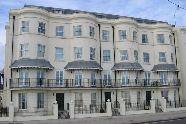 Thumbnail Flat to rent in Marine Parade, Worthing, West Sussex