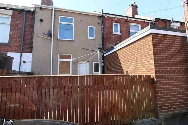 2 bed terraced house to rent in Fern Avenue, South Moor DH9