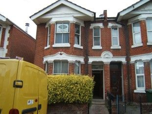 Thumbnail Semi-detached house to rent in Harborough Road, Shirley, Southampton