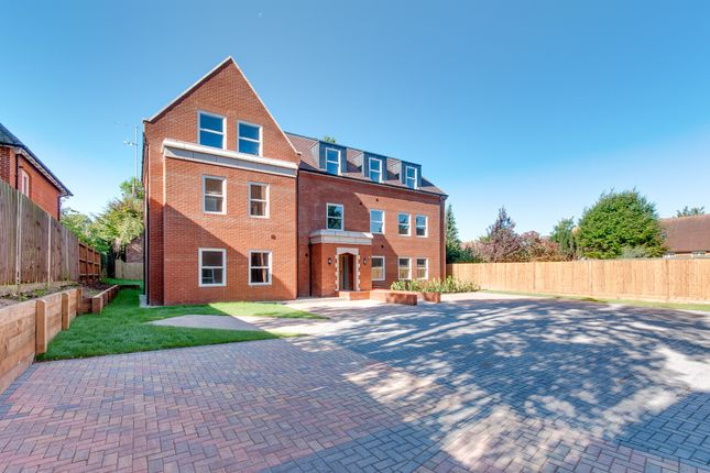 Thumbnail Flat for sale in New Dover Road, Canterbury
