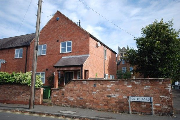 Thumbnail Semi-detached house to rent in Cliffe Road, Leamington Spa