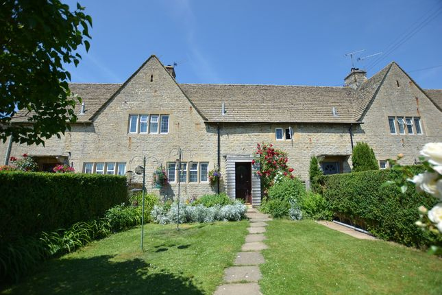 3 bed terraced house for sale in Bulls Close, Filkins, Lechlade