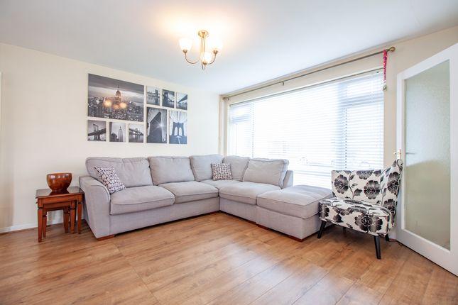 Living Room of Edenham Crescent, Reading, Berkshire RG1