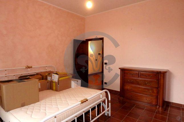 Bedroom of Via Caduti Sul Lavoro 33, Pienza, Siena, Tuscany, Italy