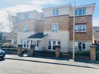 2 bed flat for sale in Meadow Hill, Church Village, Pontypridd CF38