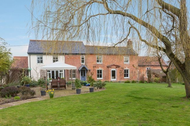 Thumbnail Detached house for sale in Thynnes Lane, Mattishall, Dereham