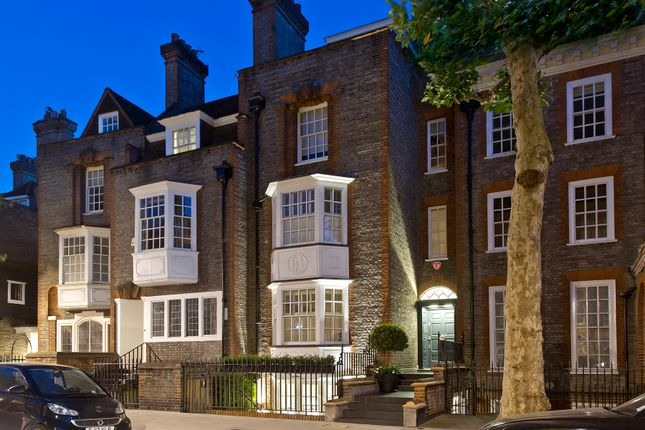 Thumbnail Town house for sale in The Vale, Chelsea, London