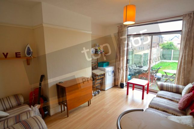 Thumbnail Semi-detached house to rent in Chatsworth Road, West Bridgford, Nottingham