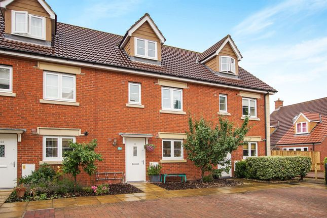 Thumbnail Town house for sale in Moor Gate, Portishead, Bristol