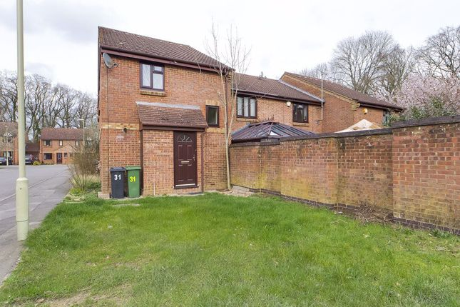 Thumbnail Terraced house to rent in Long Copse Chase, Chineham, Basingstoke