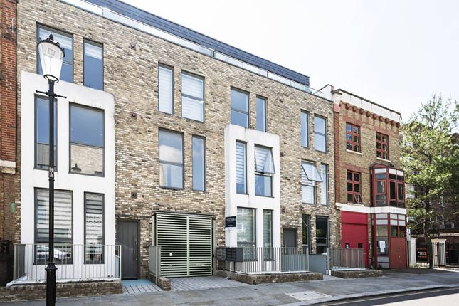 Thumbnail Flat to rent in Southern Row, Ladbroke Grove, London