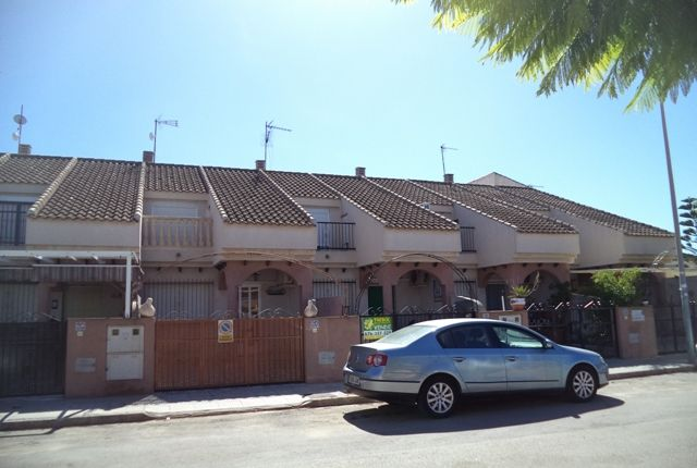 3 bed town house for sale in Calle Titan, Los Alcázares, Murcia, Spain