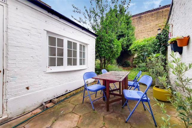 Thumbnail Terraced house to rent in Prebend Street, Angel, Islington, London