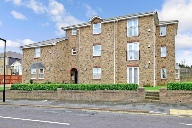 Thumbnail Flat to rent in Carter Street, Sandown