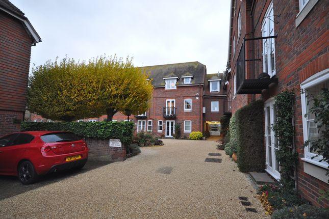 Thumbnail Flat to rent in Gange Mews, Middle Row, Faversham