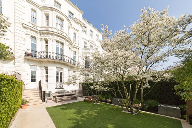 Thumbnail Terraced house for sale in Kensington Park Gardens, London