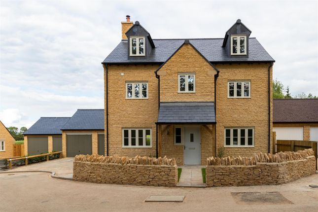 Thumbnail Detached house for sale in The Hollows, Long Compton