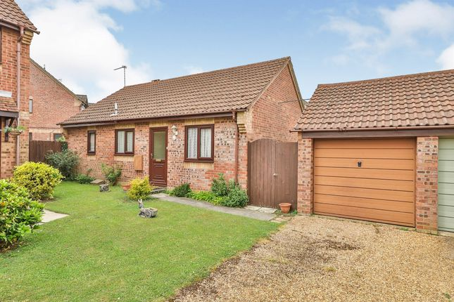 2 bed detached bungalow for sale in Freeman Close, Loddon, Norwich NR14