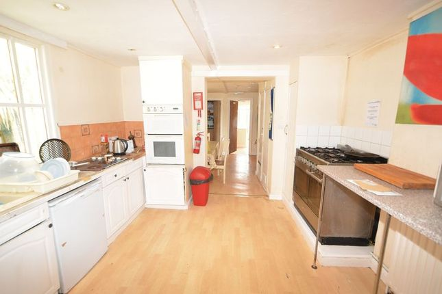Photo 3 of Double Room In Shared House, Pilton, Barnstaple EX32