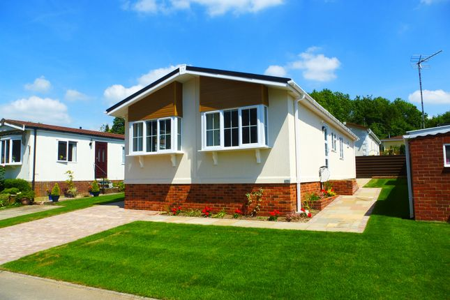 Thumbnail Mobile Park Home For Sale In South View Homes Olivers Battery Gardens