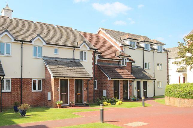 Thumbnail Flat for sale in Robinswood Court, Rusper Road, Horsham
