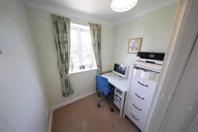Bedroom 4 of Orkney Close, Hull HU8