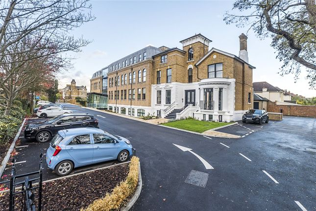 Thumbnail Flat for sale in Hampton Road, London