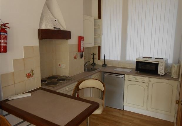 Flat to rent in The Promenade, Mount Pleasant, Swansea