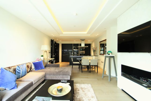 3 bed flat for sale in High Street Kensington, Charles House, Kensington, London