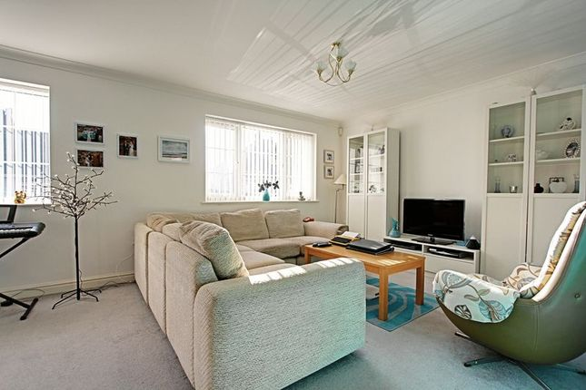 3 bed detached bungalow for sale in Park Avenue, Withernsea