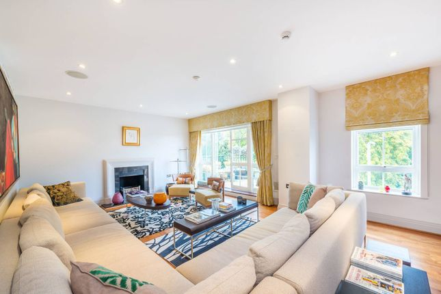 Thumbnail Flat for sale in Mountview Close, Golders Green