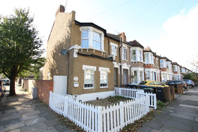 Thumbnail Flat for sale in Cecil Avenue, Enfield