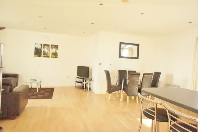 Thumbnail Flat to rent in Thames Edge, Clarence Street, Staines, Middlesex