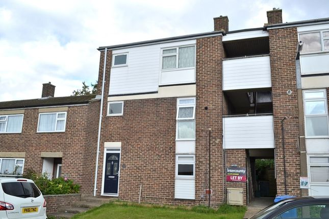Thumbnail Flat for sale in Willowfield, Harlow