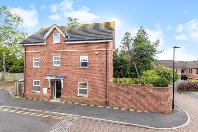 Thumbnail Detached house for sale in Iron Duke Close, Crowthorne, Berkshire