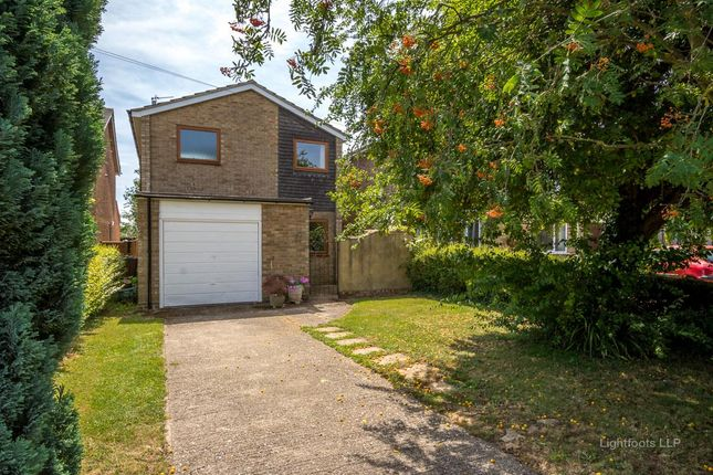 3 bed detached house for sale in Wykeham Way, Haddenham, Aylesbury