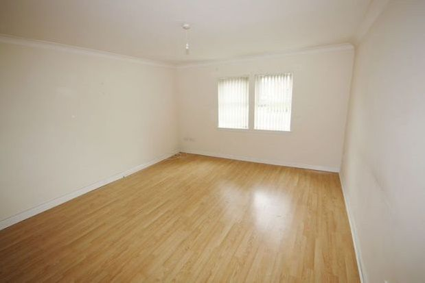 Thumbnail Flat to rent in Hill Street, Kilmarnock