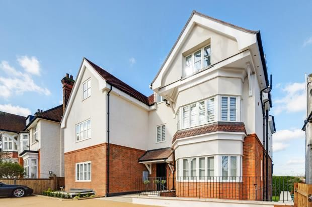 Thumbnail Flat for sale in Dollis Avenue, London