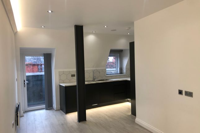 Thumbnail Flat for sale in Glovers Court, Preston