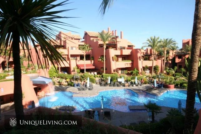 3 bed apartment for sale in Torre Bermeja, Estepona, Costa Del Sol